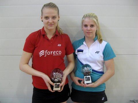 paarismängu võitjad Kristin ja Helina.